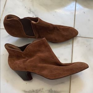 Paloma solid brown booties size 9.5 B